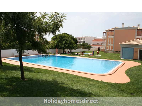 Lovely 2 Bedroom Apartment Aqua Brisa With Swimming Pool, Near Olhos D'agua Beach: Image 4
