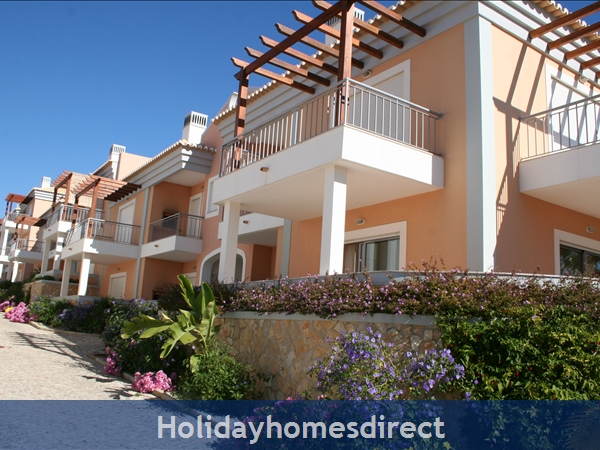 Apartment Aqua Brisa with lovely swimming pool area, close to Olhos D'Agua Beach and Maria Luisa Beach