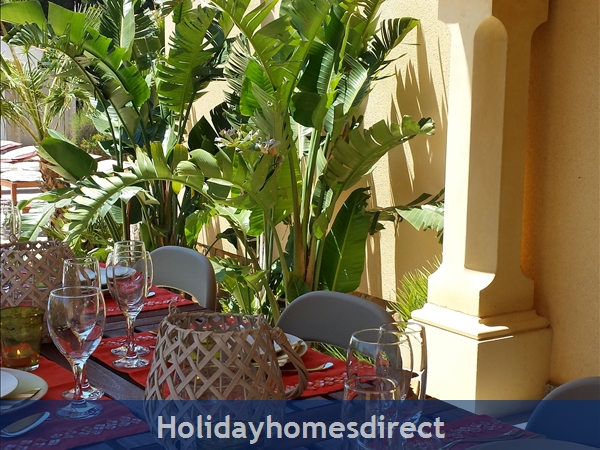 Beautiful Mediterranean Villa, Large Private Pool, 4 Bedrooms And 2 Bathrooms, 9p. Atmospheric Tropical Private Garden. Only 5 Minutes From The Beach.: Image 5