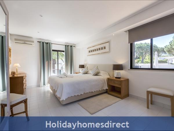 Three Bedroom Dunas Douradas Villa (3095): Image 9