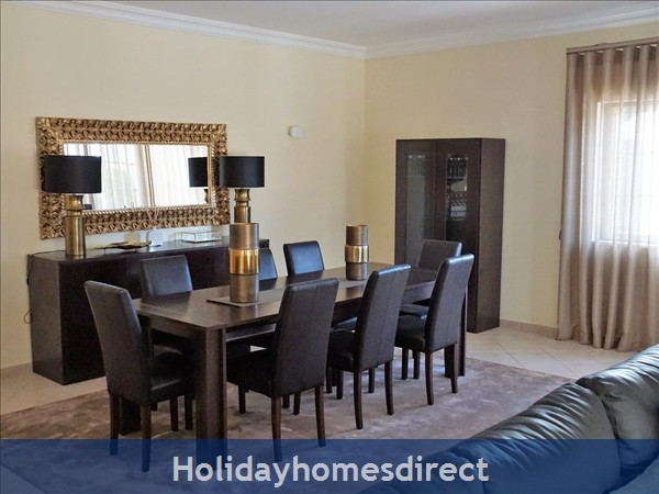 Four Bedroom Villa Close To The Beach (3158): Image 4