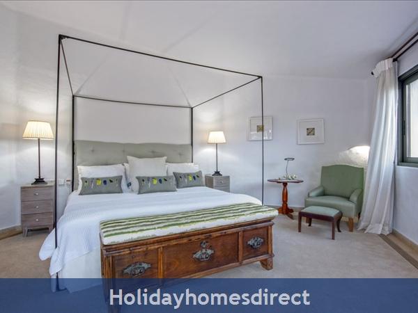 Superb 6 Bedroom Villa At Quinta Do Lago (2261): Image 3