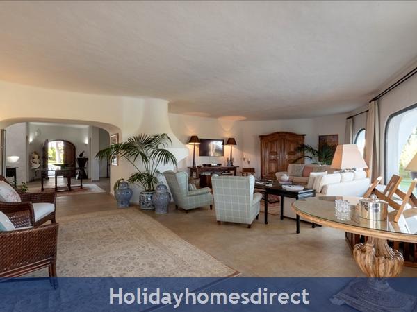 Superb 6 Bedroom Villa At Quinta Do Lago (2261): Image 2