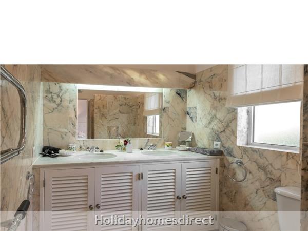Four Bedroom Villa Quinta Das Salinas (3043): Image 8