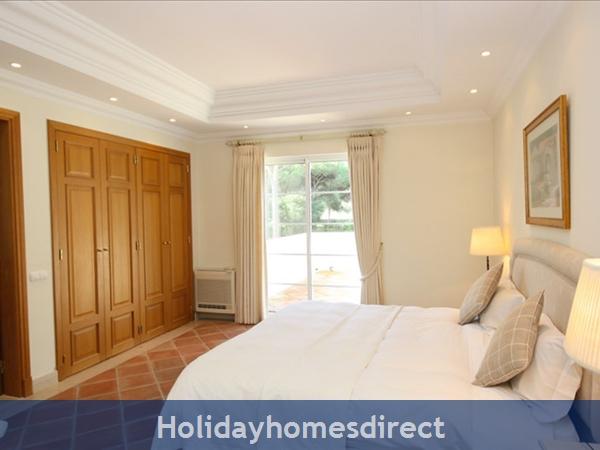 4 Bedroom Luxury Villa To Rent Quinta Do Lago (1473): Image 8