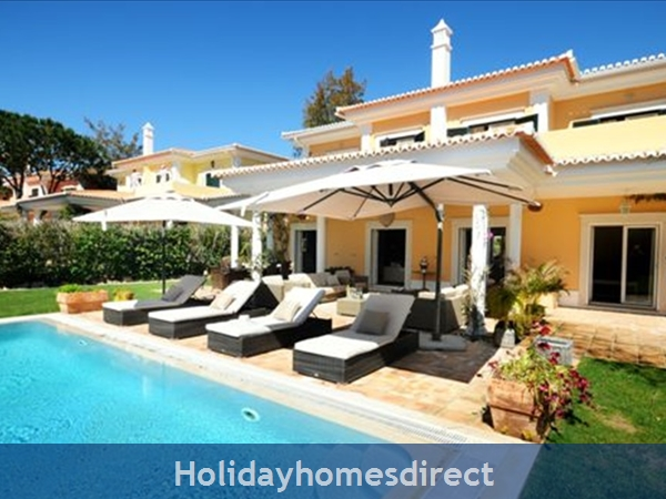Luxurious 4 bedroom villa Monte Da Quinta (2418)