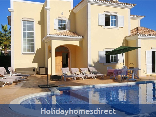 Luxury 4 Bedroom villa close to Vale Do Lobo (1142)