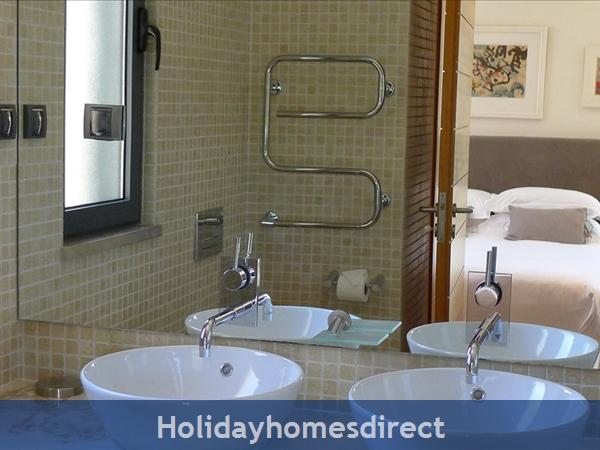 Four Bedroom Vale Do Lobo Villa (3161): Image 9