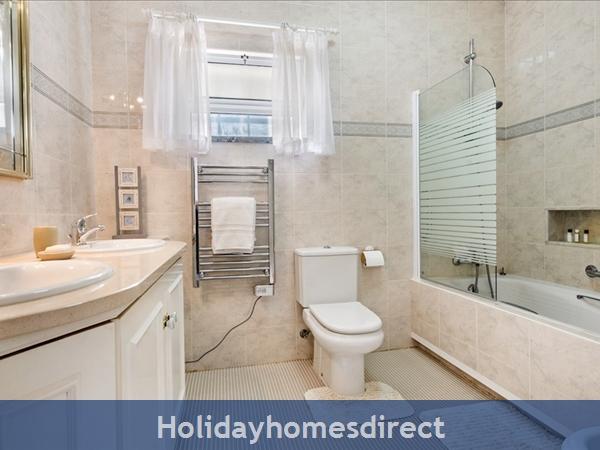 Four Bedroom Vale Do Lobo Villa (3130): Image 7