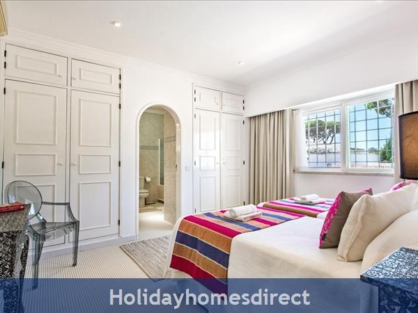 Four Bedroom Vale Do Lobo Villa (3130): Image 6