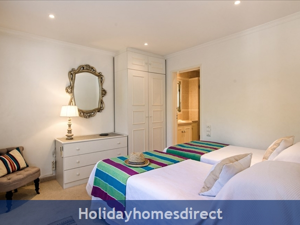Four Bedroom Vale Do Lobo Villa (3130): Image 2