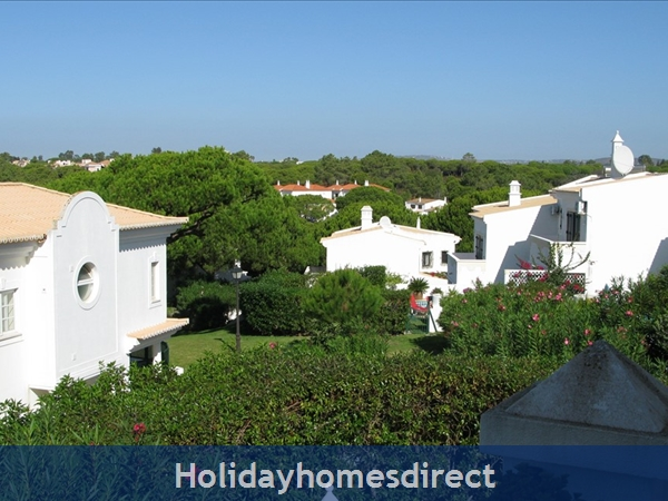 3 Bedroom Town House With Large Pool (2408): Image 20