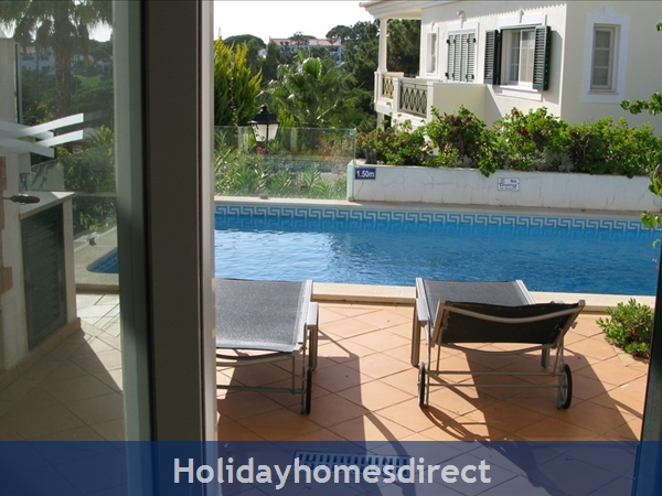 3 Bedroom Town House With Large Pool (2408): Image 15