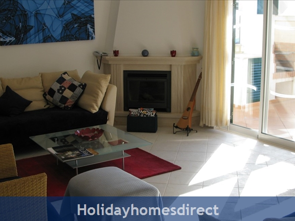 3 Bedroom Town House With Large Pool (2408): Image 13