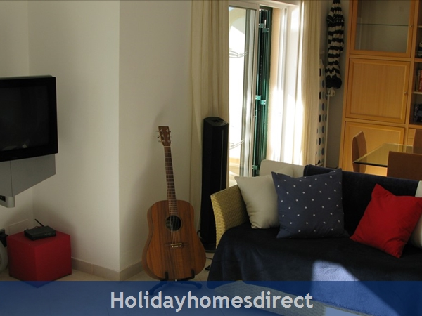 3 Bedroom Town House With Large Pool (2408): Image 14