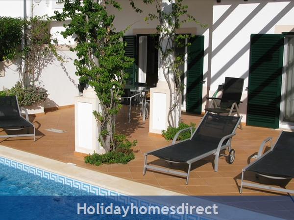 3 Bedroom Town House With Large Pool (2408): Image 9