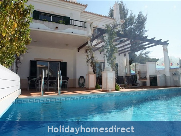 3 Bedroom Town House With Large Pool (2408): Image 8
