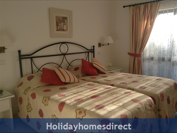 Luxury 2 Bedroom Apartment In The 5* Alto Golf And Country Club, Alvor, Portugal: Master Bedroom