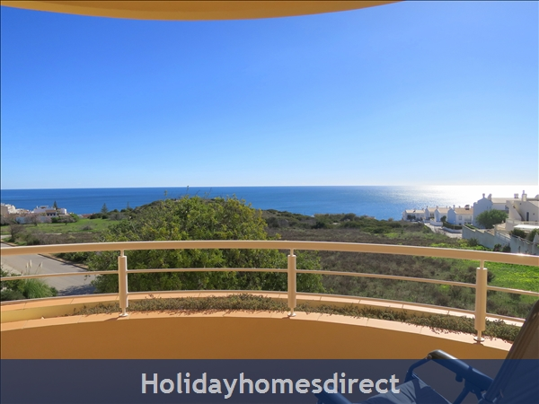 Vilas Das Acacias, Apartment AE.... Amazing sea views and walk to the beach !