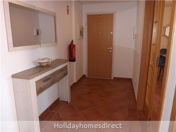 Apartamento Ocean View - Albufeira, Ac, Wifi,  Pool, Walking Distance Beach, Restaurants, Bars, Supermarket (88738/al): Image 9