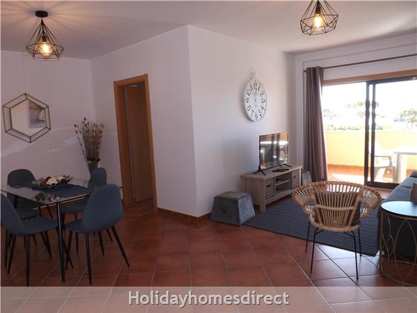 Apartamento Ocean View - Albufeira, Ac, Wifi,  Pool, Walking Distance Beach, Restaurants, Bars, Supermarket (88738/al): Image 3