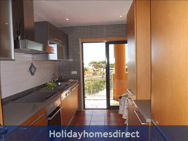 Apartamento Ocean View - Albufeira, Ac, Wifi,  Pool, Walking Distance Beach, Restaurants, Bars, Supermarket (88738/al): Image 4