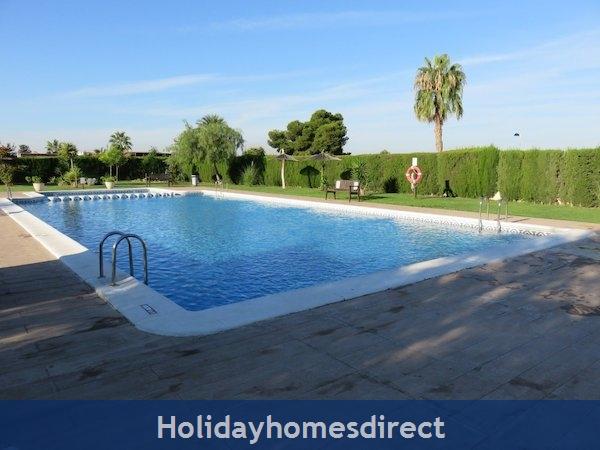 Torrevieja Lakeshore Property Rental