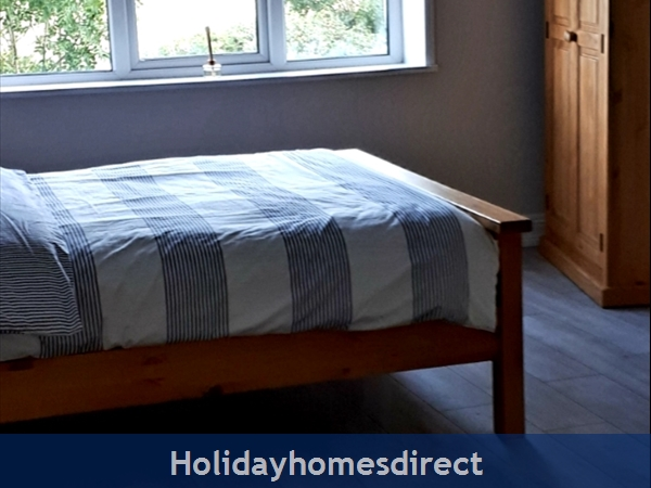3 Bedroom Apartment For Holiday Rental In Enniscrone County Sligo.: Image 7
