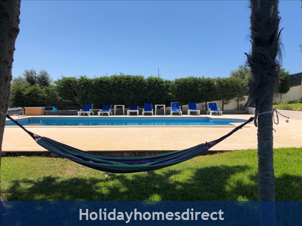 Villa Vaniana, Olhos De Agua: Tranquil Relaxation, Portuguese style