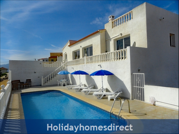 Villa 'Casa en la Colina' and its 10 metre pool