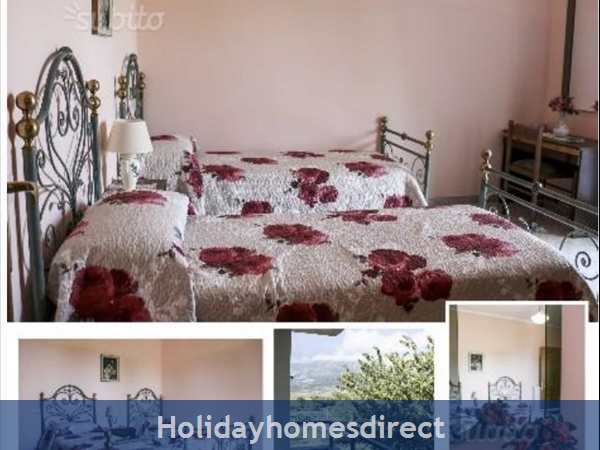 Apartments Set In Rural Italy: Bedroom with two single beds - Top Floor Apartment