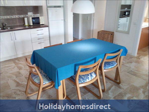 3 Bed Luxury Apartment 50 Metres From Vilamoura Marina: Image 6