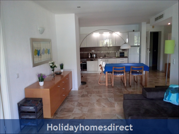 3 bed luxury apartment 50 metres from Vilamoura Marina