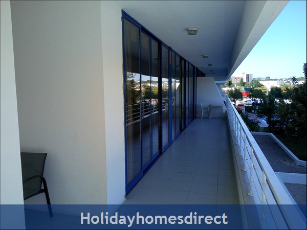 3 Bed Luxury Apartment 50 Metres From Vilamoura Marina: Image 2