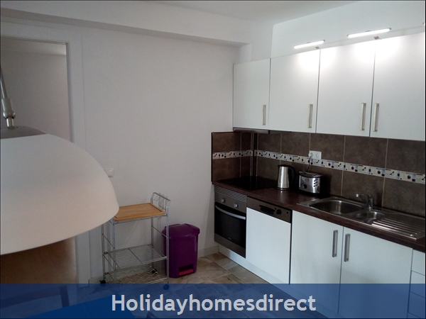 3 Bed Luxury Apartment 50 Metres From Vilamoura Marina: Image 7