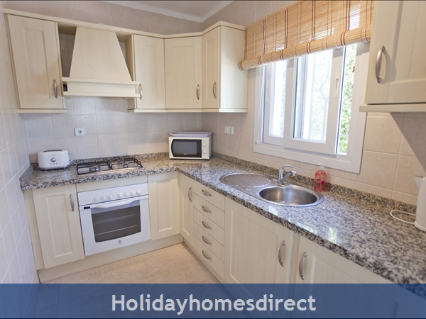 Casa Caballo: fully equipped kitchen