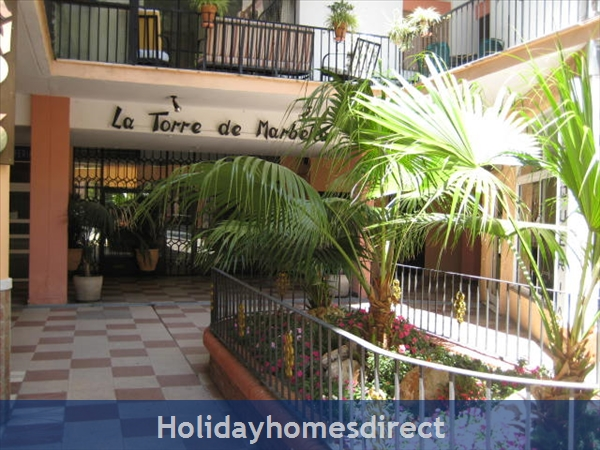 La Torre De Marbella: Air con and ceiling fans for your comfort