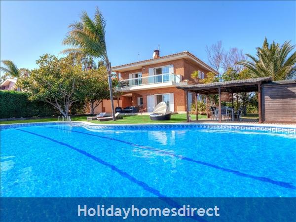 Holiday House Cala Vidre