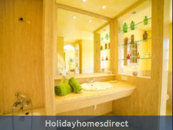 Holiday House Oasis Muntaner: Image 6