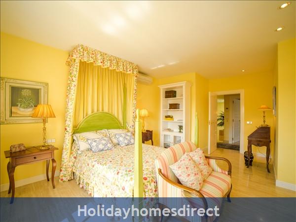 Holiday House Oasis Muntaner: Image 8