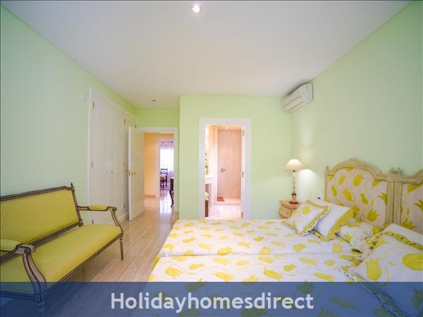 Holiday House Oasis Muntaner: Image 5
