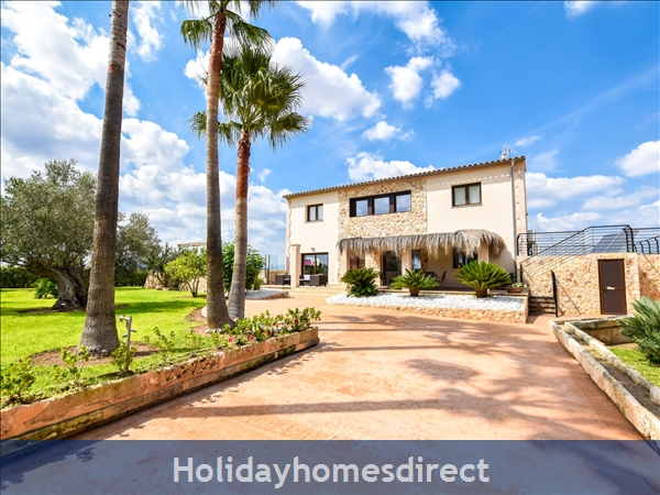 Holiday House Can Bou