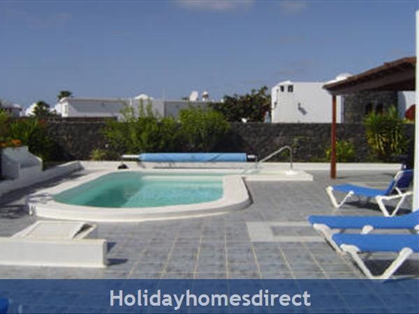 Villa Saoirse - Puerto Del Carmen: Pool / Terrace Area